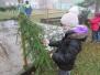 Pomáháme s vánoční výzdobou - 4.B