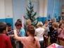 Zdobení vánočního stromečku - 1.B